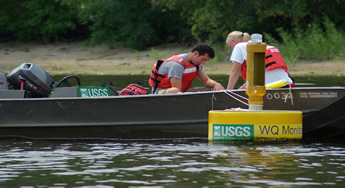 Water quality sampling. (photo: Jerry Cox, USGS, 2007)